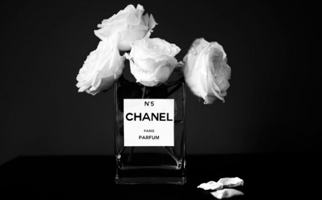 coveted-The-House-of-Chanel-diy-chanel-vase-flowers-no-5-perfume